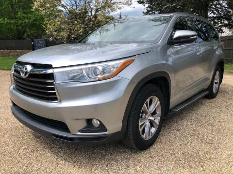 2015 Toyota Highlander for sale at Beverly Farms Motors in Beverly MA