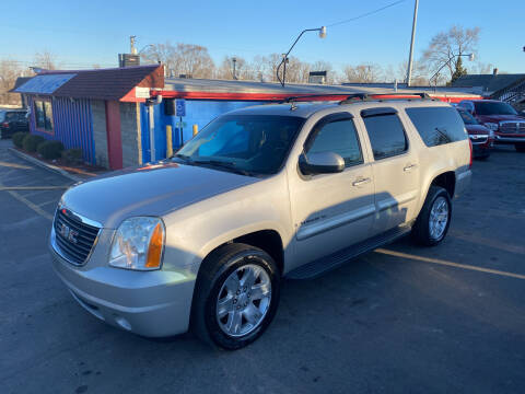 2007 GMC Yukon XL for sale at Car Mas Broadway in Crest Hill IL
