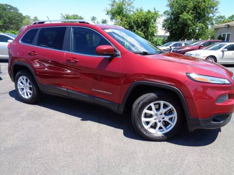 2015 Jeep Cherokee for sale at BETTER BUYS AUTO INC in East Windsor CT