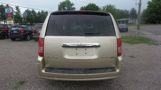 2010 Chrysler Town and Country Touring 4dr Mini-Van - Nicholasville KY