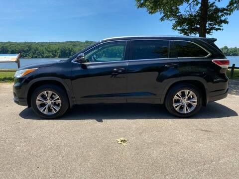 2014 Toyota Highlander for sale at Monroe Auto's, LLC in Parsons TN