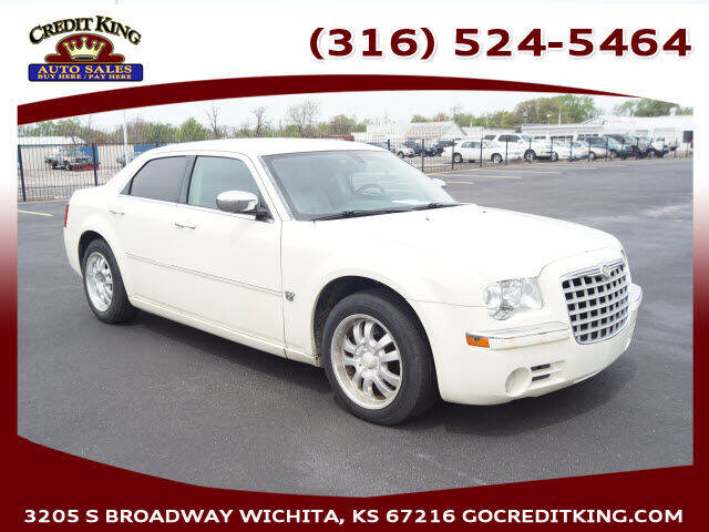 2007 Chrysler 300 for sale at Credit King Auto Sales in Wichita KS