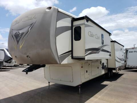 2015 Forest River Cedar creek 38CK for sale at Ultimate RV in White Settlement TX