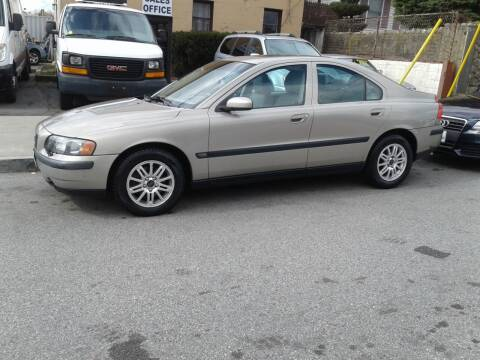 2004 Volvo S60 for sale at Nelsons Auto Specialists in New Bedford MA