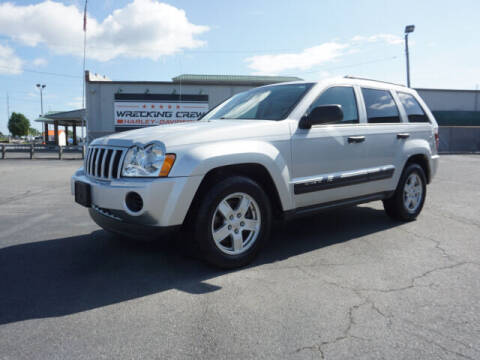2005 Jeep Grand Cherokee for sale at CHAPARRAL USED CARS in Piney Flats TN
