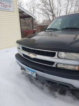 2002 Chevrolet Suburban for sale at WB Auto Sales LLC in Barnum MN
