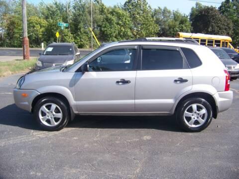 2005 Hyundai Tucson for sale at C and L Auto Sales Inc. in Decatur IL