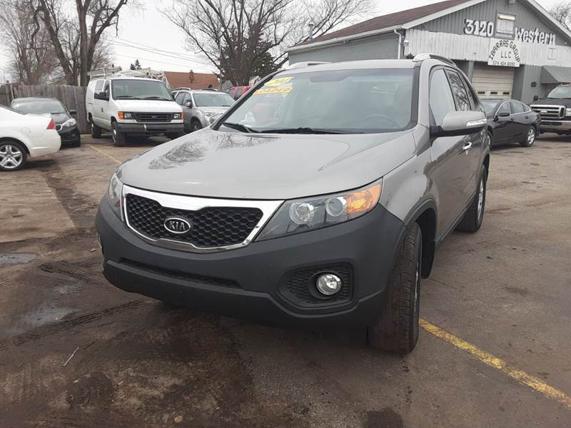 2012 Kia Sorento for sale at Ibarras Group - IBARRAS AUTO SALES GROUP WESTERN AVE in South Bend IN