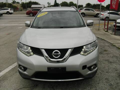 2016 Nissan Rogue for sale at SUPERAUTO AUTO SALES INC in Hialeah FL