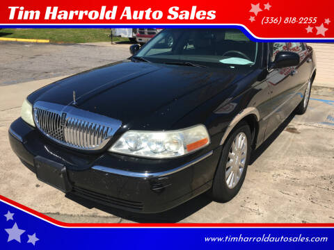 2004 Lincoln Town Car for sale at Tim Harrold Auto Sales in Wilkesboro NC