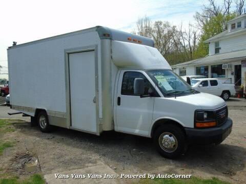 2009 GMC Savana Cutaway for sale at Vans Vans Vans INC in Blauvelt NY