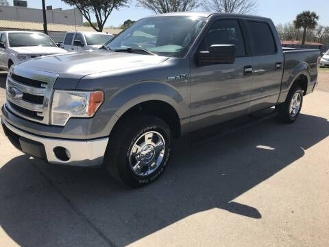 2014 Ford F-150 for sale at AMIGO USED CARS in Houston TX