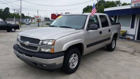 2005 Chevrolet Avalanche for sale at West Elm Motors in Graham NC