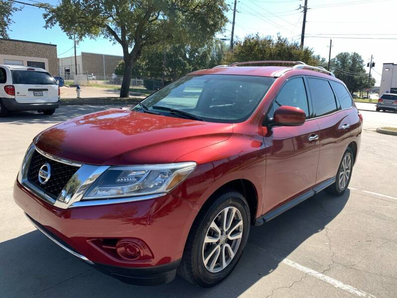 2013 Nissan Pathfinder for sale at Vitas Car Sales in Dallas TX