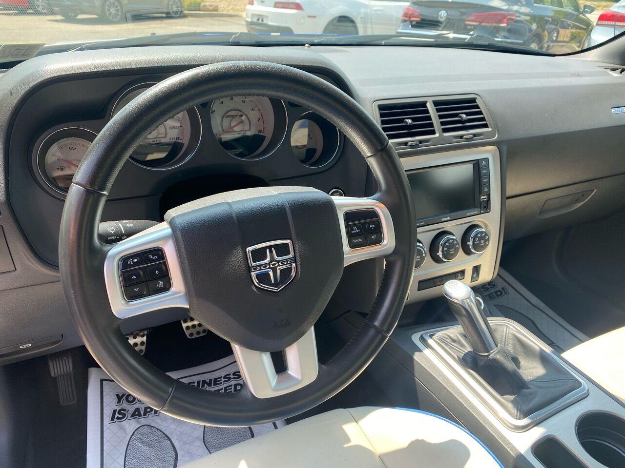2011 Dodge Challenger 2dr Car