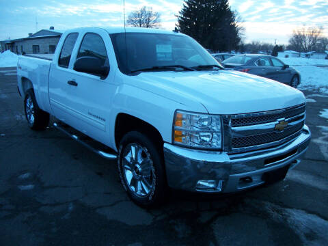 2013 Chevrolet Silverado 1500 for sale at USED CAR FACTORY in Janesville WI