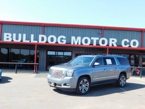 2018 GMC Yukon XL for sale at Bulldog Motor Company in Borger TX