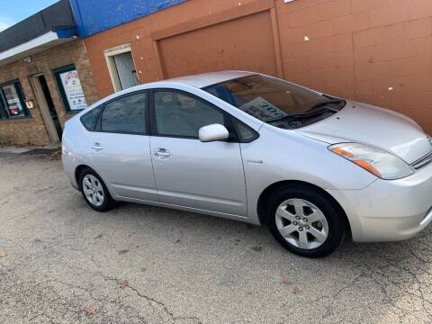 2009 Toyota Prius for sale at Ali Auto Sales in Moline IL