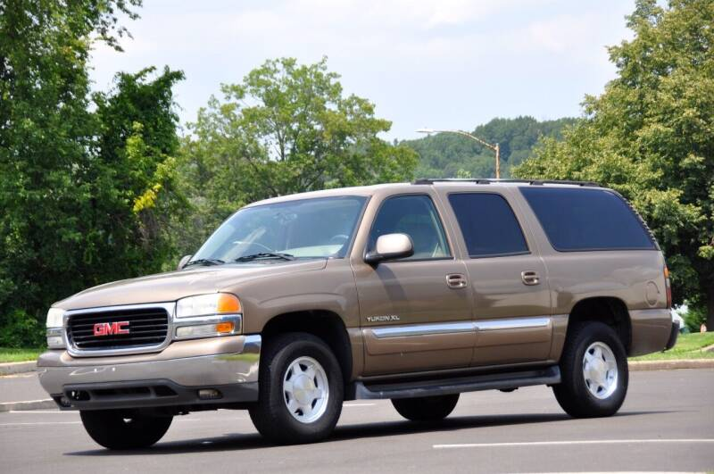 2004 GMC Yukon XL for sale at T CAR CARE INC in Philadelphia PA