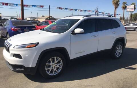 2016 Jeep Cherokee for sale at First Choice Auto Sales in Bakersfield CA