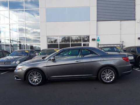 2013 Chrysler 200 Convertible for sale at M & M Auto Brokers in Chantilly VA