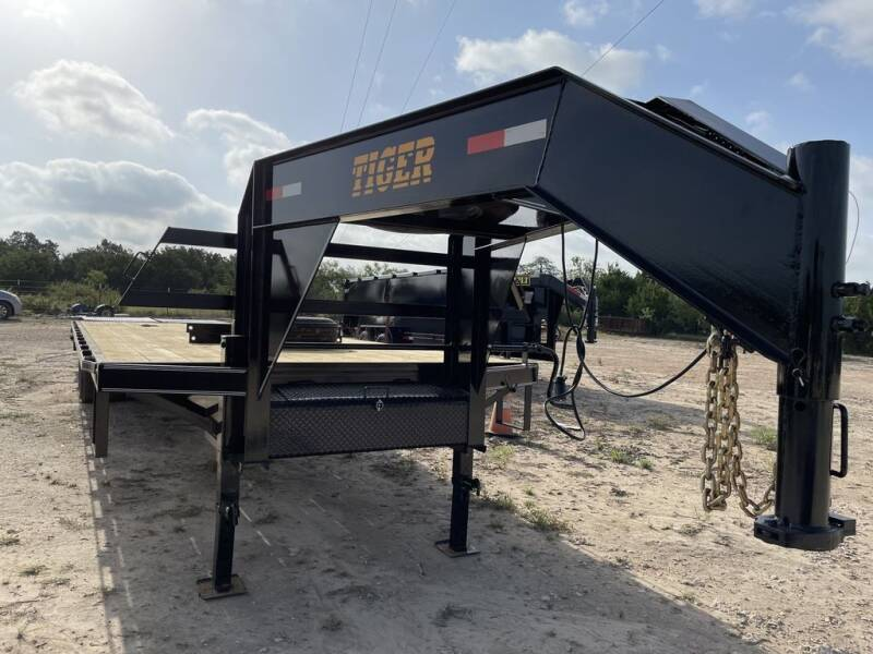 """2021 TIGER  - 102"""" X 30' FLATBED - T for sale at LJD Sales in Lampasas TX"""