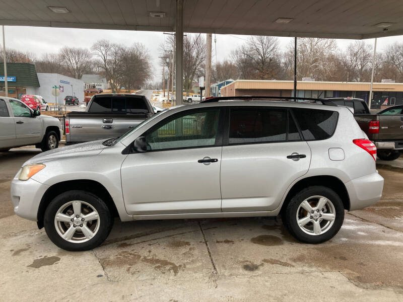 2009 Toyota RAV4 for sale at GRC OF KC in Gladstone MO