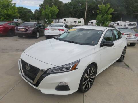 2019 Nissan Altima for sale at Azteca Auto Sales LLC in Des Moines IA