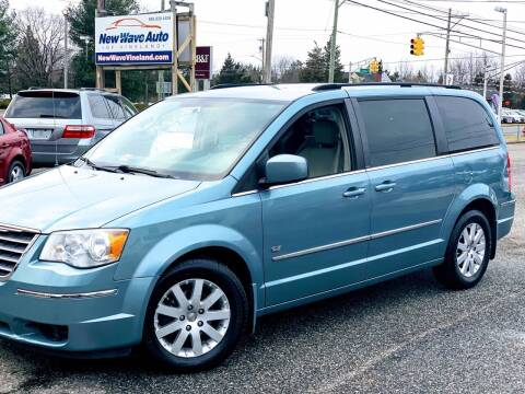 2009 Chrysler Town and Country for sale at New Wave Auto of Vineland in Vineland NJ