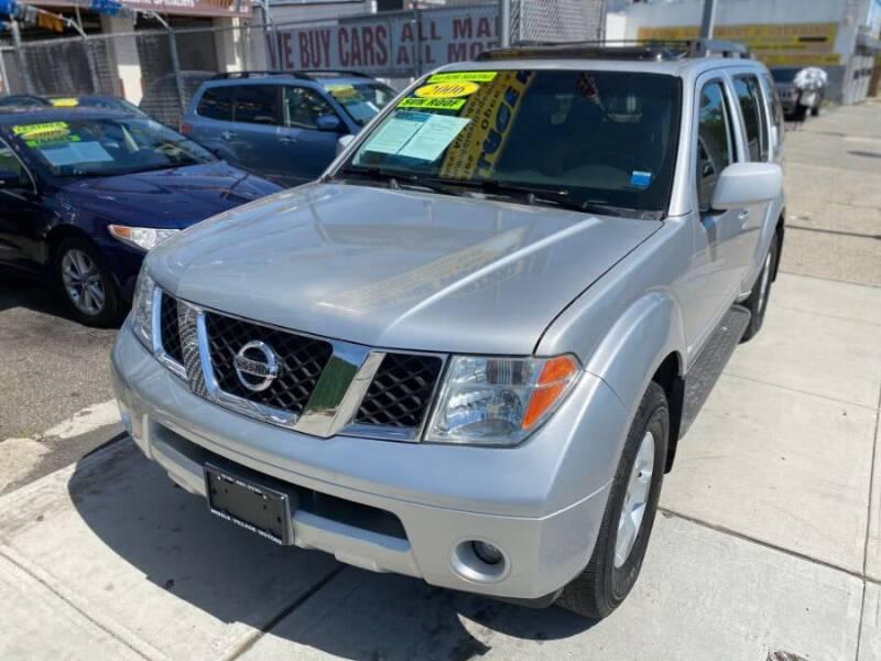 2006 Nissan Pathfinder for sale at Middle Village Motors in Middle Village NY