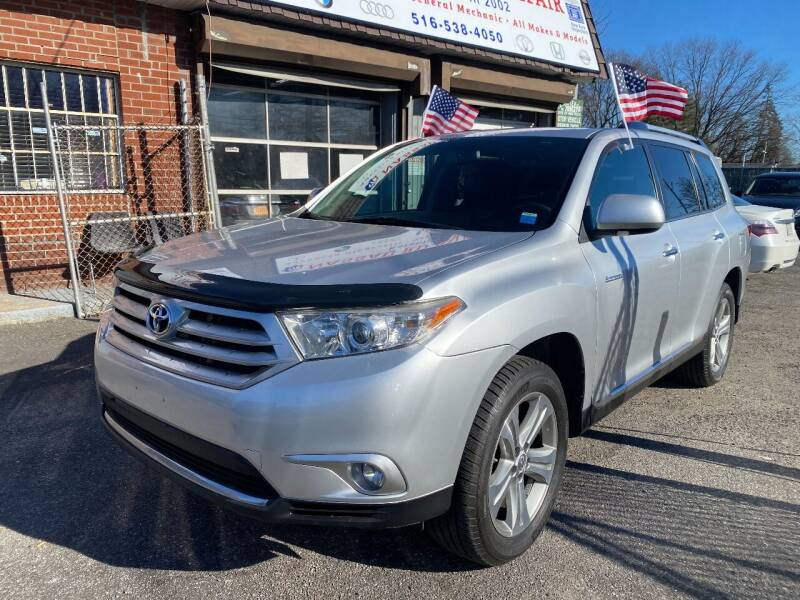 2012 Toyota Highlander for sale at American Best Auto Sales in Uniondale NY