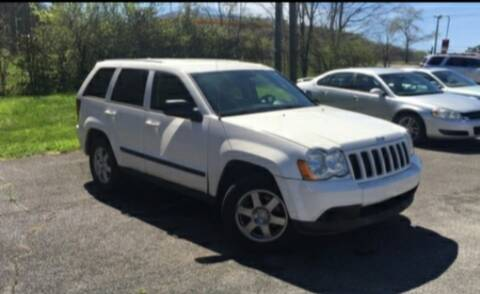 2008 Jeep Grand Cherokee for sale at BSA Pre-Owned Autos LLC in Hinton WV