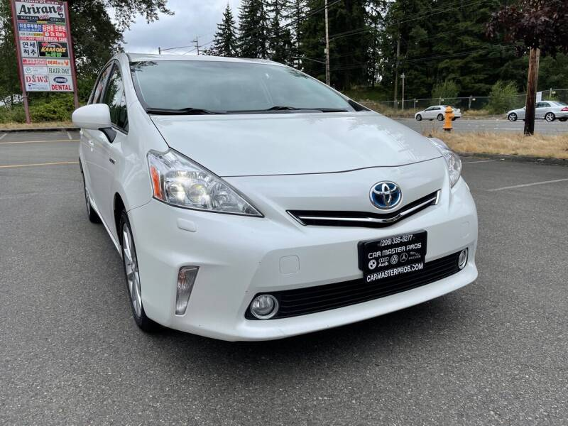2014 Toyota Prius v for sale at CAR MASTER PROS AUTO SALES in Lynnwood WA