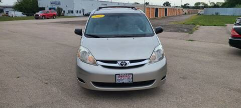 2008 Toyota Sienna for sale at Swan Auto in Roscoe IL