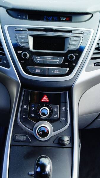 2016 Hyundai Elantra SE 4dr Sedan 6A (US) - Seattle WA