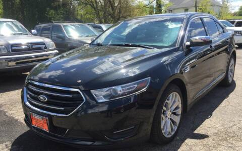 2015 Ford Taurus for sale at Knowlton Motors, Inc. in Freeport IL