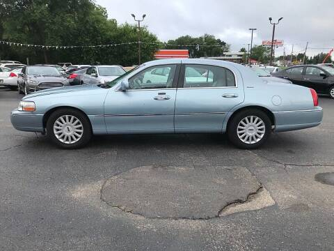 2005 Lincoln Town Car for sale at Car Zone in Otsego MI