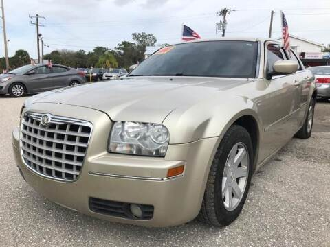 2005 Chrysler 300 for sale at EXECUTIVE CAR SALES LLC in North Fort Myers FL
