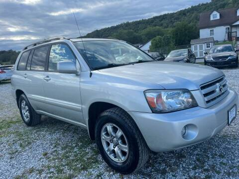 2005 Toyota Highlander for sale at Ron Motor Inc. in Wantage NJ