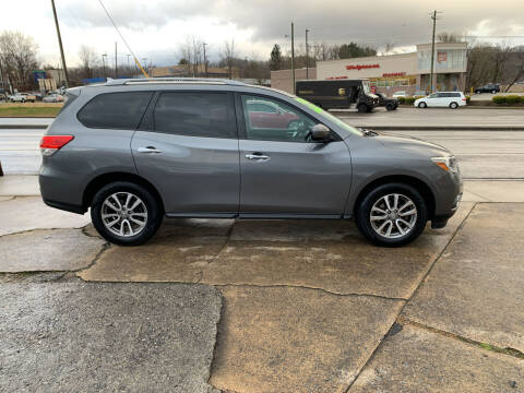 2015 Nissan Pathfinder for sale at State Line Motors in Bristol VA