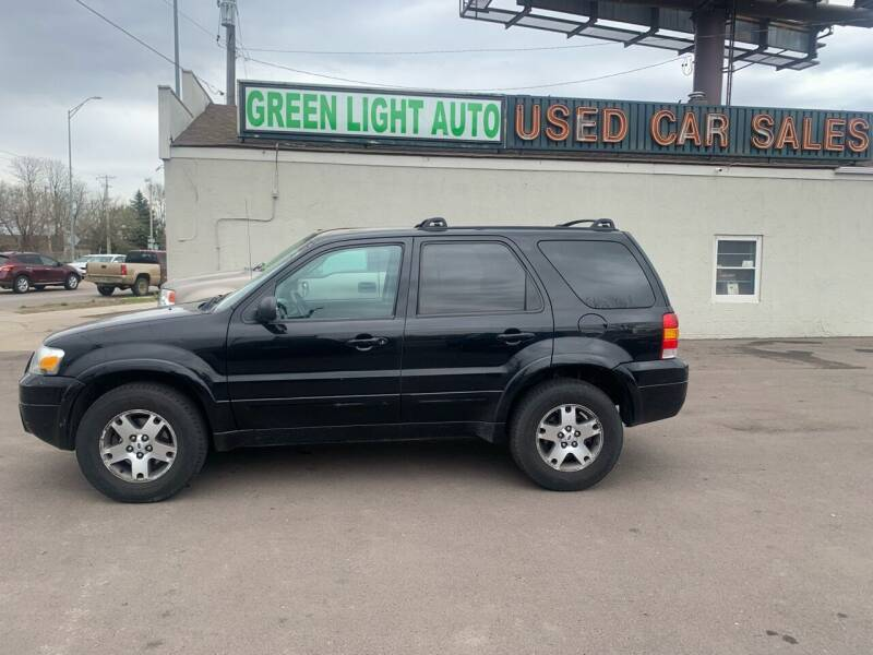 2005 Ford Escape for sale at Green Light Auto in Sioux Falls SD