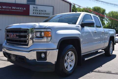 2014 GMC Sierra 1500 for sale at Dealswithwheels in Inver Grove Heights MN