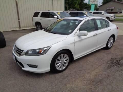 2013 Honda Accord for sale at De Anda Auto Sales in Storm Lake IA