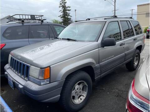 1998 Jeep Grand Cherokee for sale at Chehalis Auto Center in Chehalis WA