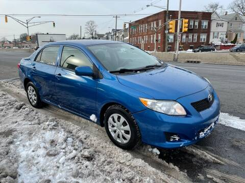 2009 Toyota Corolla for sale at G1 AUTO SALES II in Elizabeth NJ
