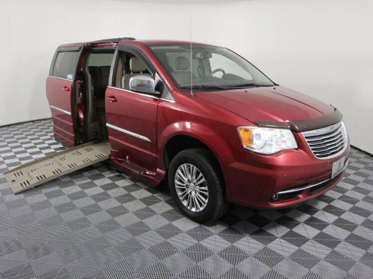 2013 Chrysler Town and Country for sale at AMS Vans in Tucker GA