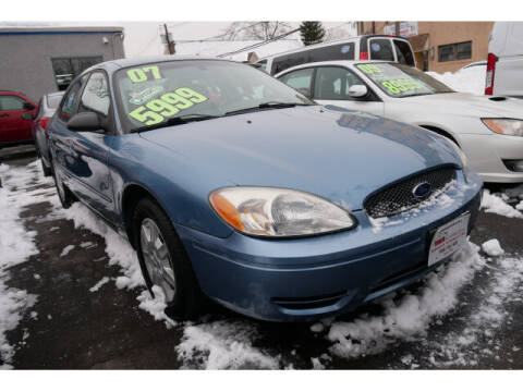 2007 Ford Taurus for sale at M & R Auto Sales INC. in North Plainfield NJ