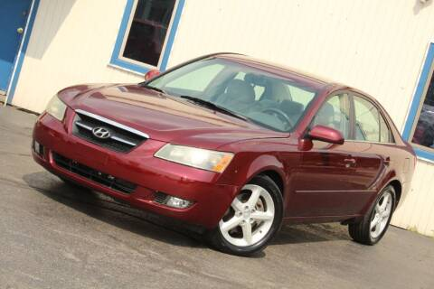 2007 Hyundai Sonata for sale at Dynamics Auto Sale in Highland IN