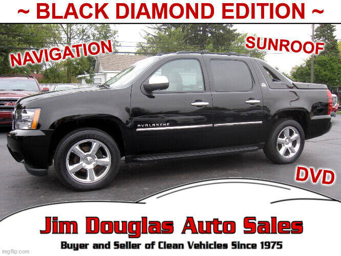 2013 Chevrolet Avalanche for sale at Jim Douglas Auto Sales in Pontiac MI