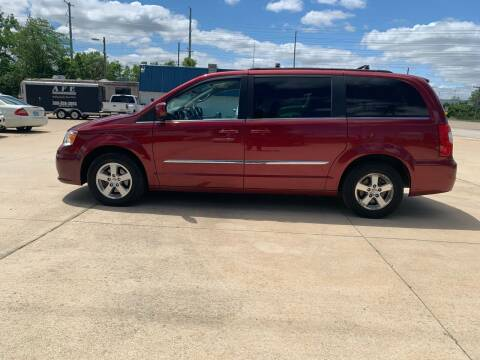 2012 Chrysler Town and Country for sale at Elite Auto Plaza in Springfield IL